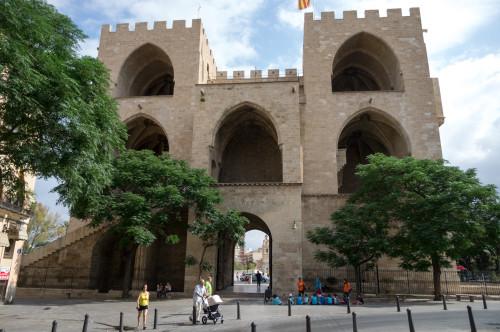 Torres de Serranos, una din porțile orașului vechi