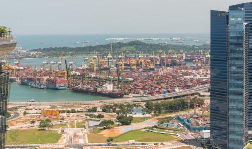 Portul Singapore văzut de pe Marina Bay Sands