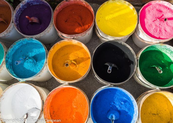 Vindem culori!