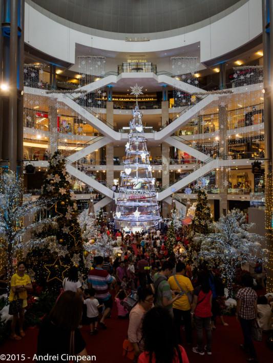 mall- Sărbătorile vin! :)))