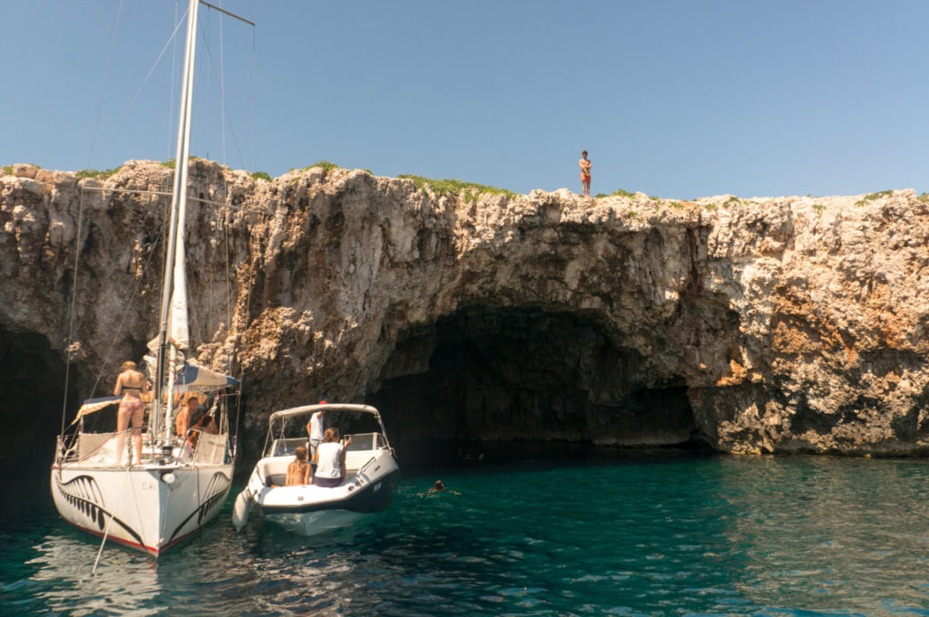 Green Cave- insula Vis
