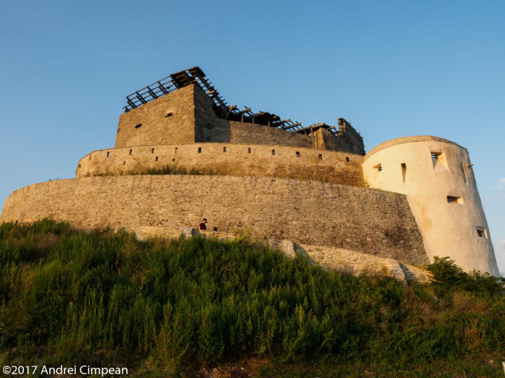 cetatea Devei văzută îndeaproape